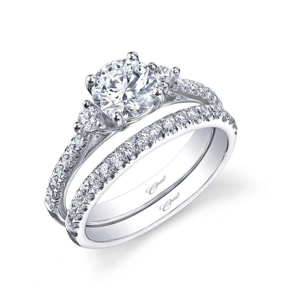 Etonnant Coast Diamond Engagement And Wedding Ring Set With .47 Carats Total Diamond  .