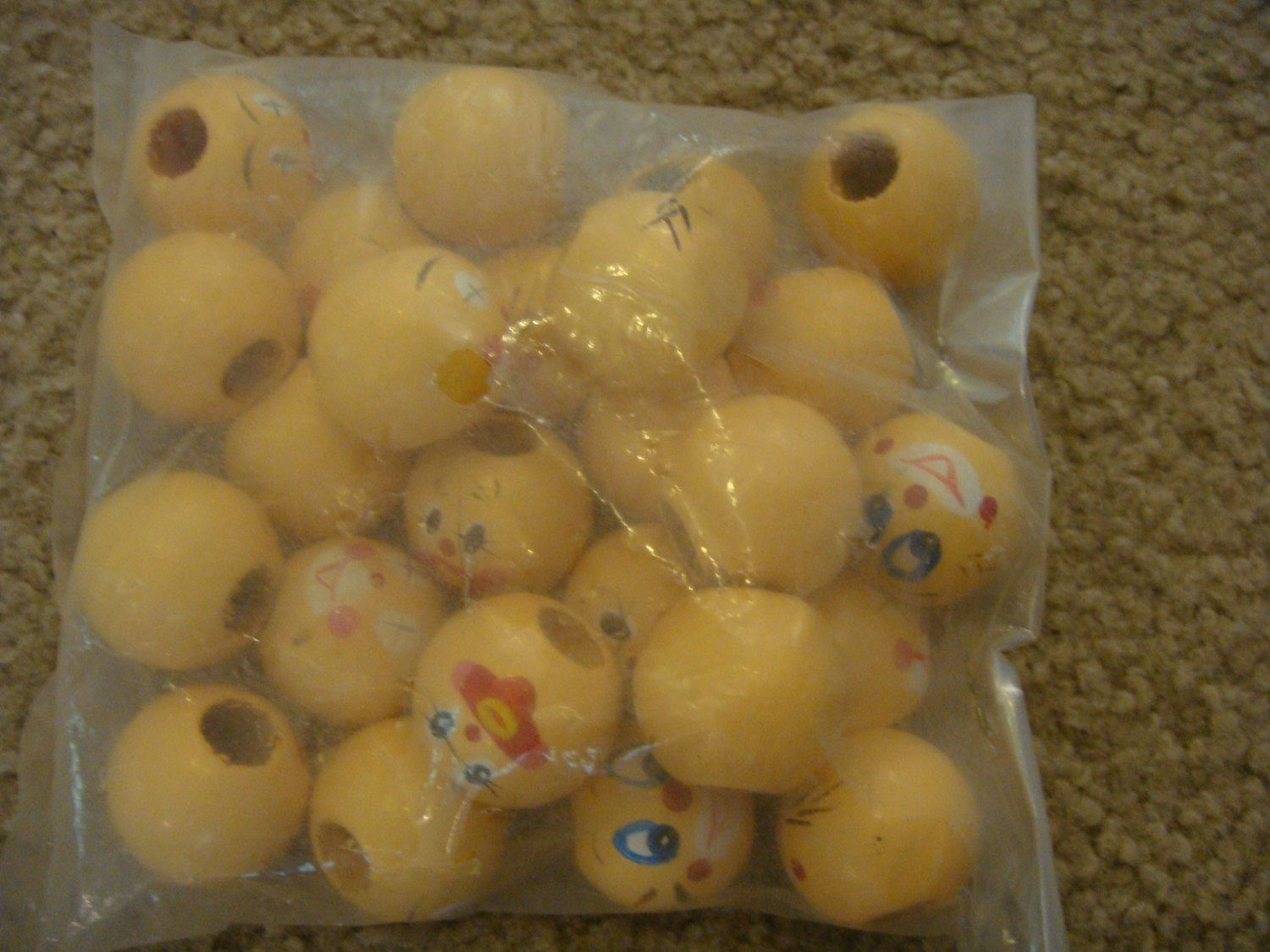 """BEADS lot of 25 wooden doll heads painted faces 1"""" vintage darcie puppets clowns craft sewing supplies by keriblue4 on Etsy"""