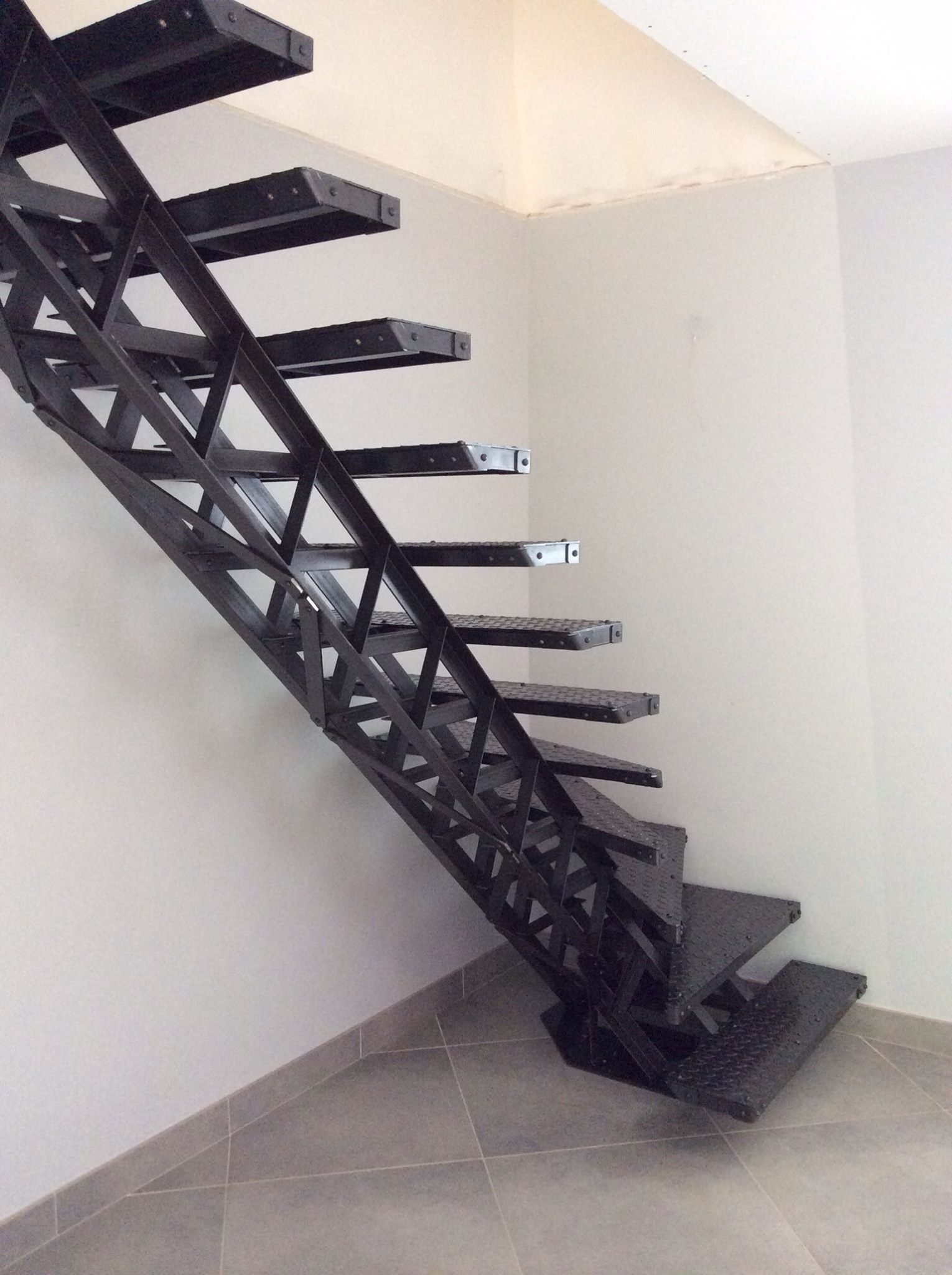 Escalier Type Eiffel Etude Et Fabrication D Un Escalier En