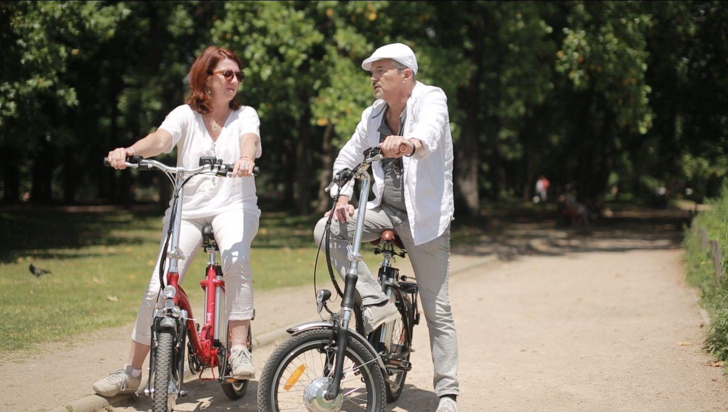 balade en vélo électrique pliant VEPLI avec le modèle Folky    Vélo électrique pliant VEPLI; la fatigue ? connais pas !