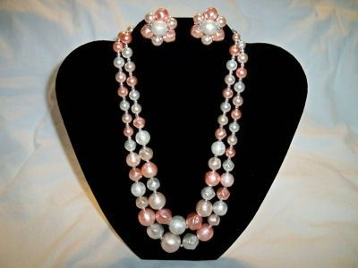 SALE! Vintage 1950's Ladies Peachy Pink Necklace and Earrings
