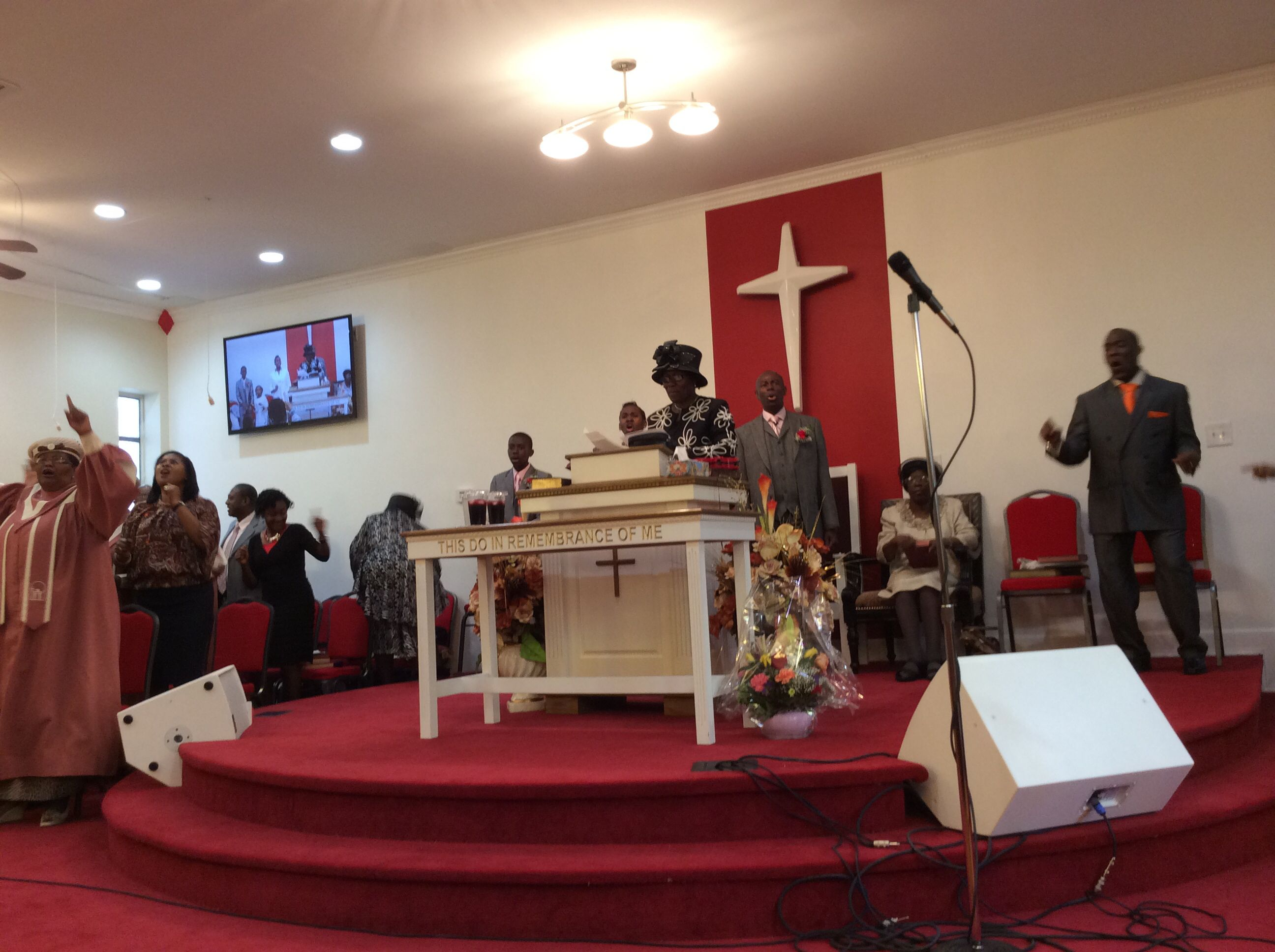 Everyone worshipping the LORD JESUS CHRIST