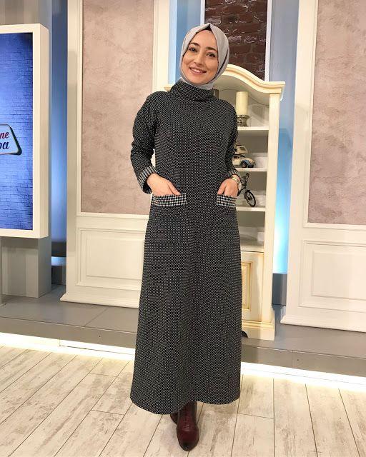 Nebihan Akca Bogazli Pratik Kesim Elbise 36 46 Beden Araligi Elbise Moda Stilleri Giyim
