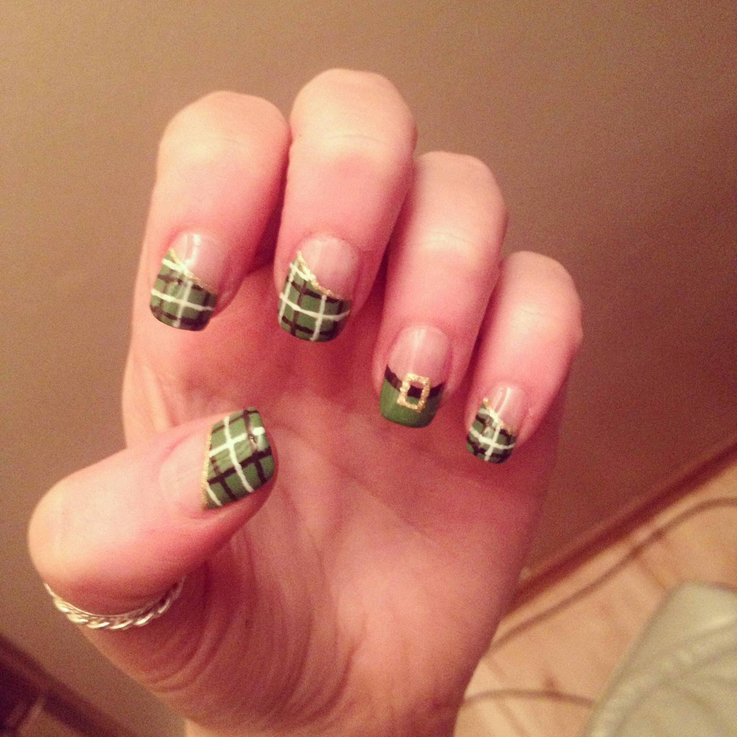 St Patricks day nails by me :) green checkered shamrock diamond stud ...