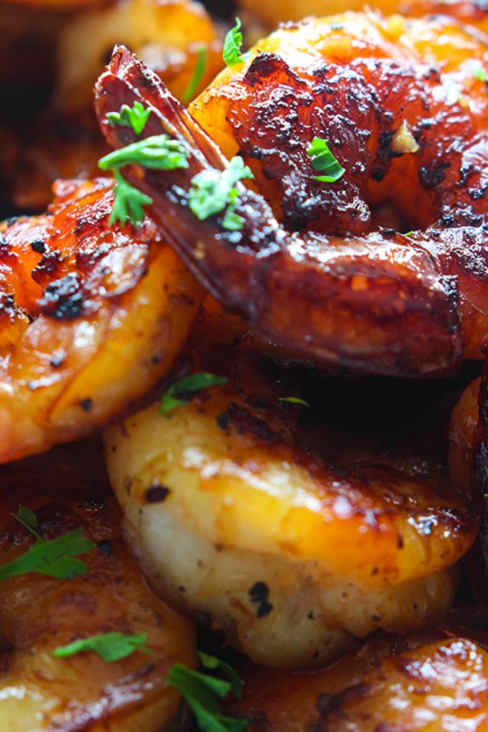 Honey Garlic Shrimp Skillet Recipe  #shrimprecipes