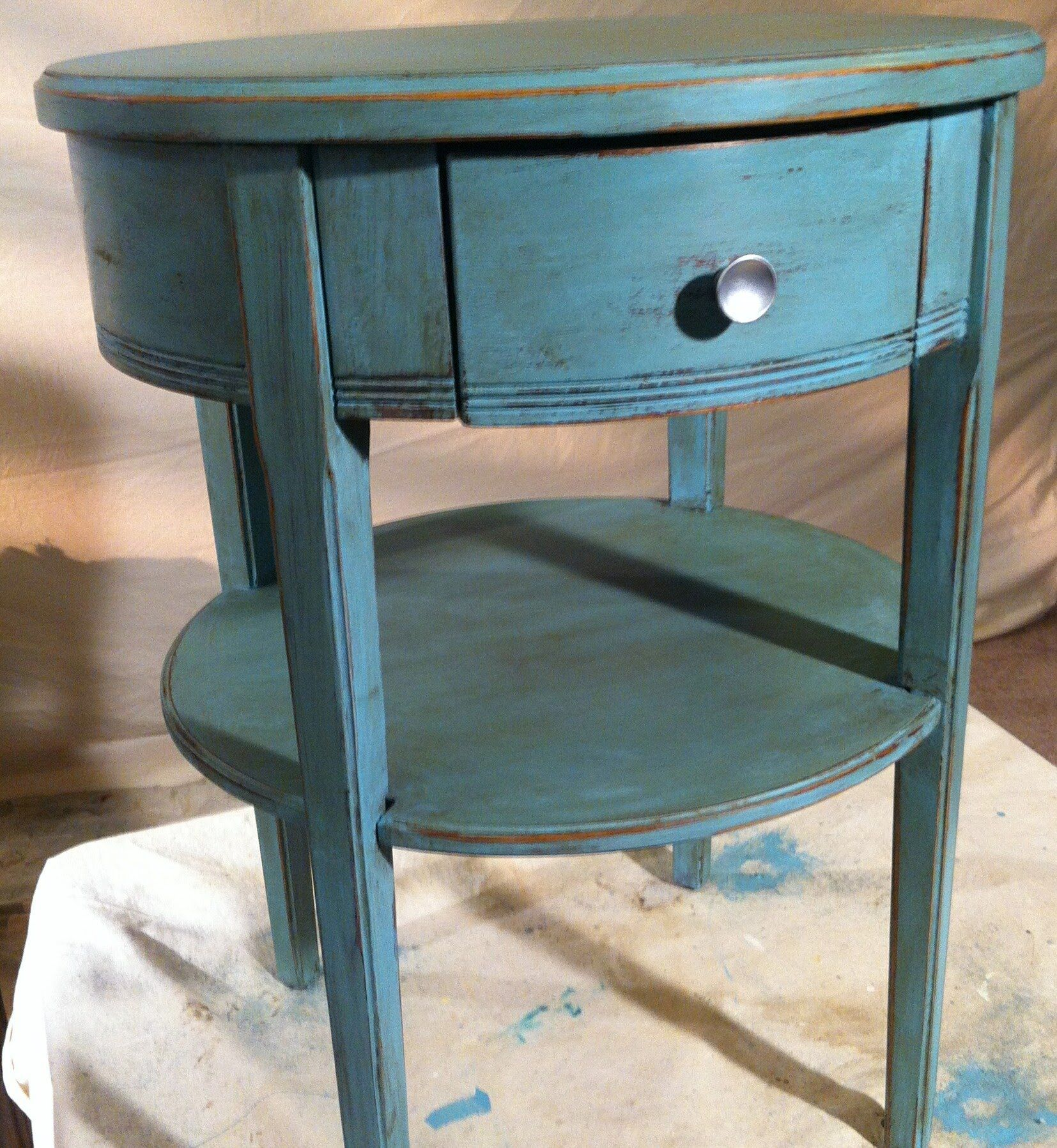 Two Chalk Paint Color Distressed Tecnique