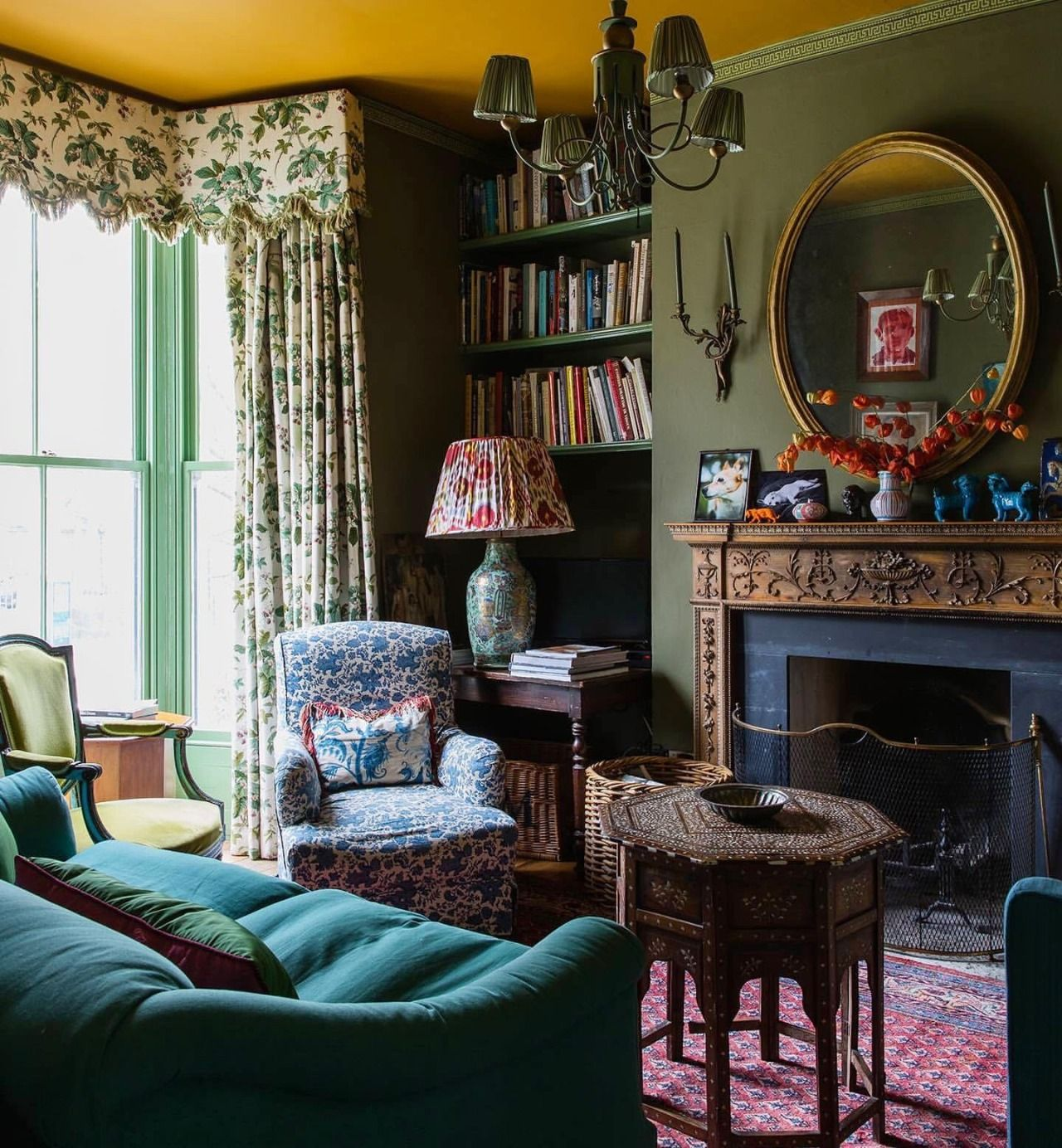 This Ivy House In 2020 Room Colors Interior Sofa Colors