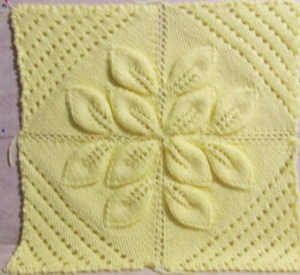 Knitting Pattern For Leaf Design Baby Blanket : knit three leaf counterpane knitting Pinterest Leaves, Third and Blanket