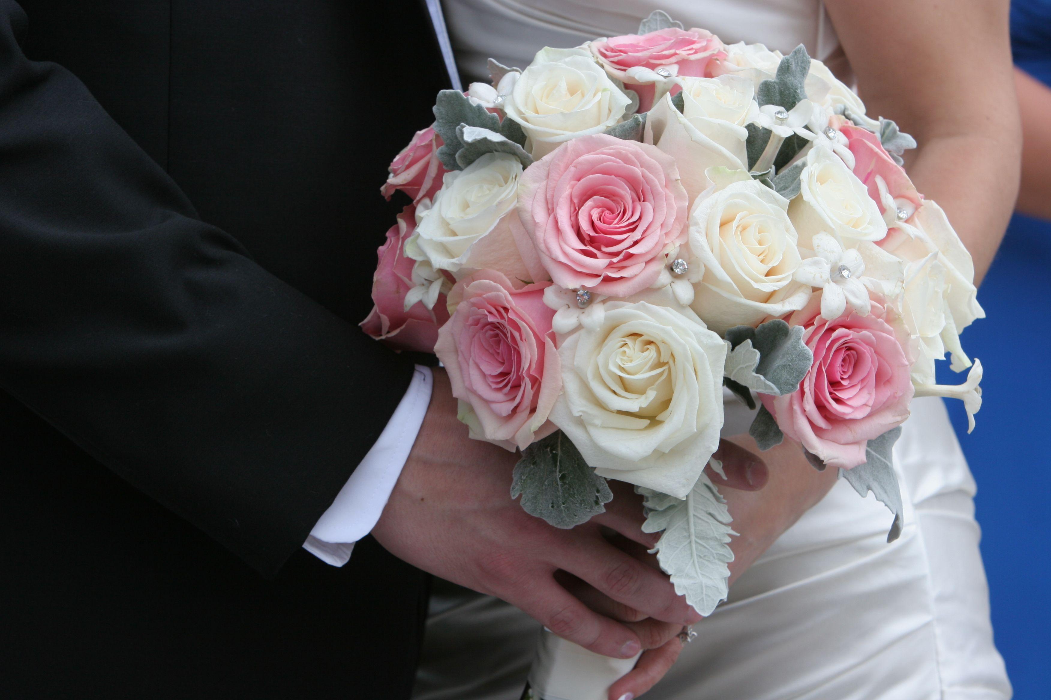 Unusual beautiful beginnings flowers photos wedding and flowers pin by beautiful beginnings flowers on jenna and lawrences wedding izmirmasajfo