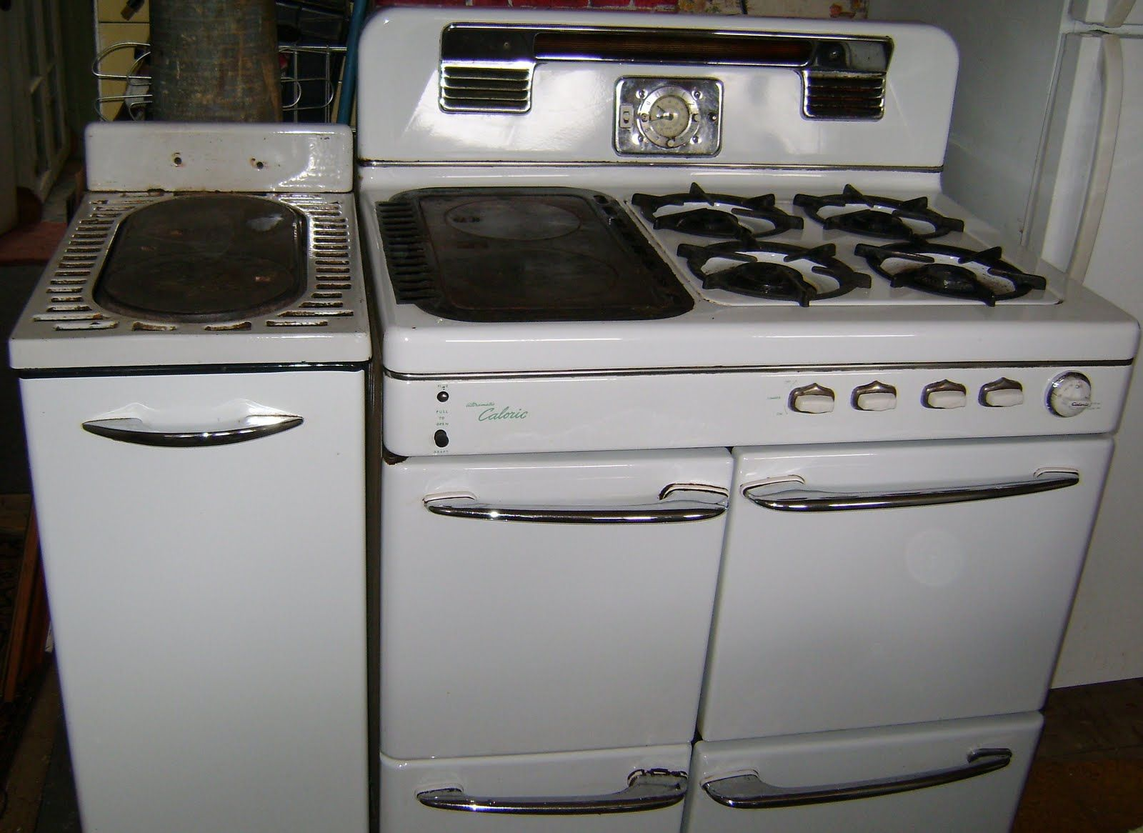 Antique Looking Kitchen Appliances Old Caloric Ovens 50s Ultramatic Caloric Gas Stove For The
