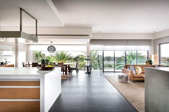 Modern Rectangular House Impresses With A Splendid Architecture