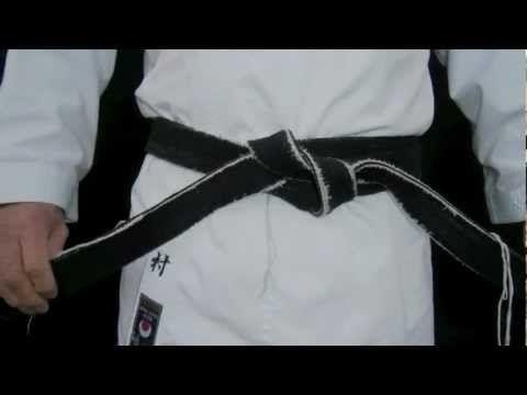 ▶ How to Tie a Karate Belt & Gi Folding - YouTube