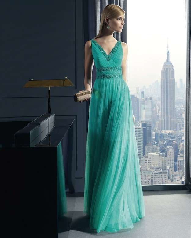 Como combinar un vestido de fiesta verde agua