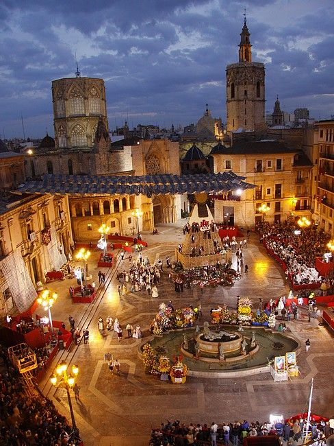 2f80b9222 Ofrenda de flores a la Virgen de los Desamparados. Valencia. Spain ...