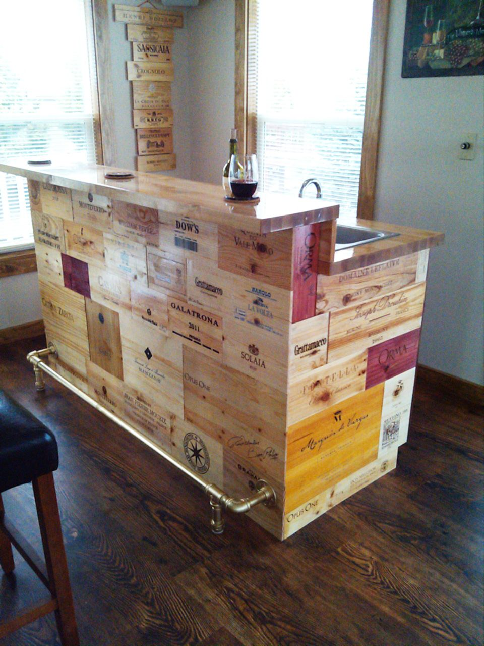 Wine crate panels epoxy bar top made with wine crate for Small wine crates