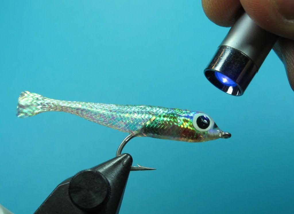 Mylar Minnow Materials: Pearl Mylar tube Saltwater Hook 3D