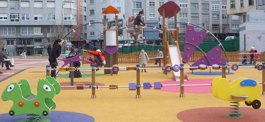 parques infantiles en el parque os marieiros a corua jardn