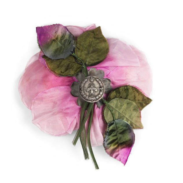 Flower pin in silk and cotton