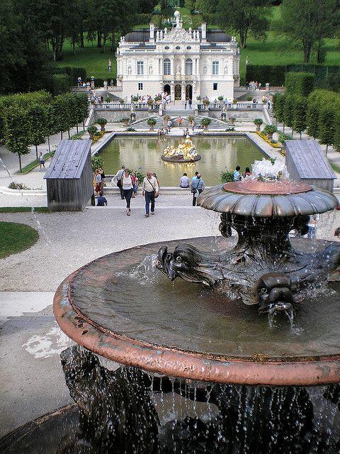 Schloss Und Park Linderhof Bavaria Germany Germany Castle House Styles