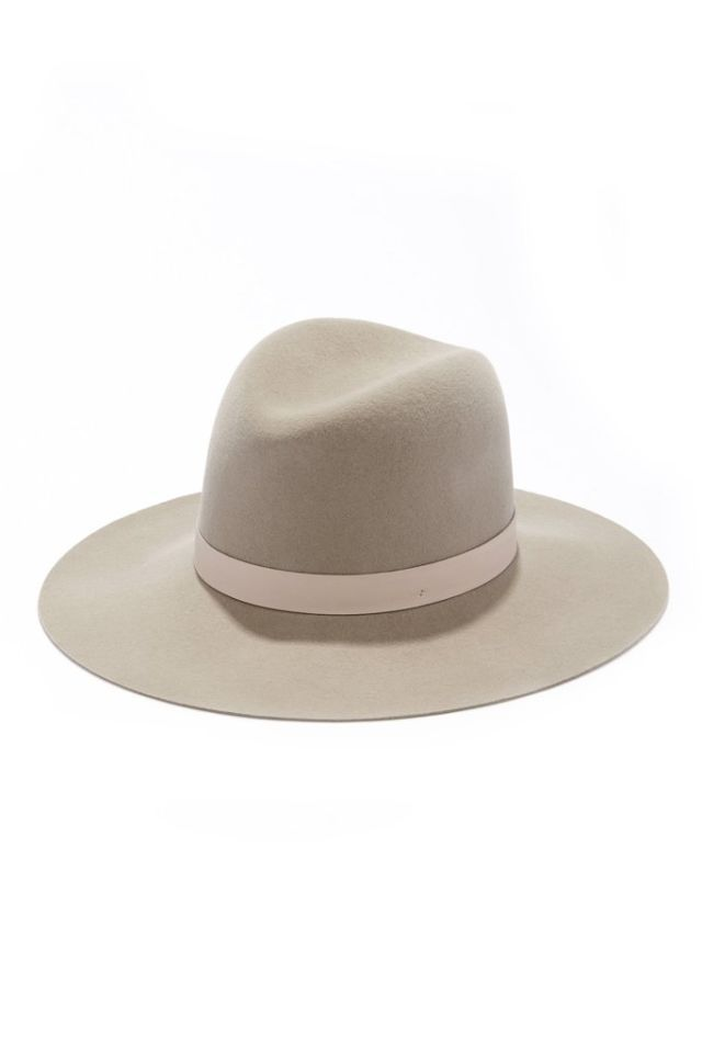 689e0e92b Luxurious Gifts for the Special Woman in Your Life | Fashion | Hats ...