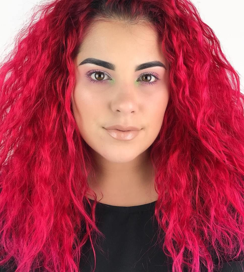 How to dye your hair bright red from a dark shade without bleaching