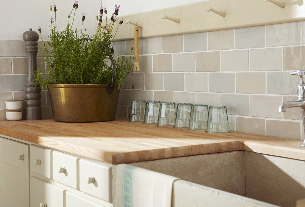 Modren Kitchen Tiles Country Style With Seating Wooden Painted - Country kitchen tiles