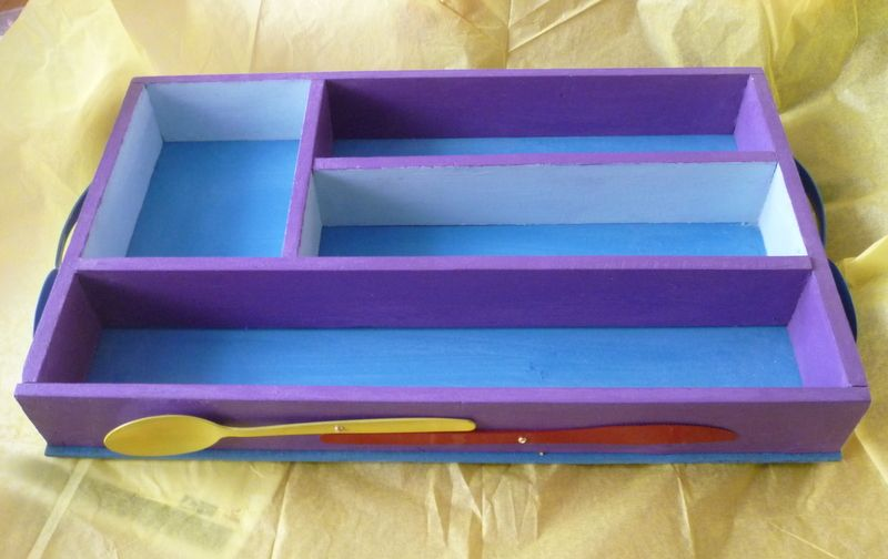 up cycled cutlery tray, home made chalk paint, waxed, cutlery with enamel paint, handle are made of spoons.