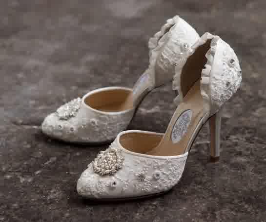 Items Similar To Lace Wedding Shoes Beaded Flower Shoe Size Uk 5 P Toe Lovely Ivory On