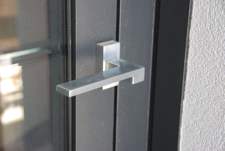 Zelda - Colombo Design - finition inox brossée - Montée sur porte Wicstyle 65 gamme WICONA - By Covermetal.