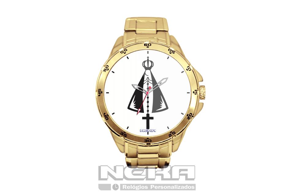 de29a89625d Relógio de pulso dourado com fundo branco e imagem de nossa senhora  aparecida.