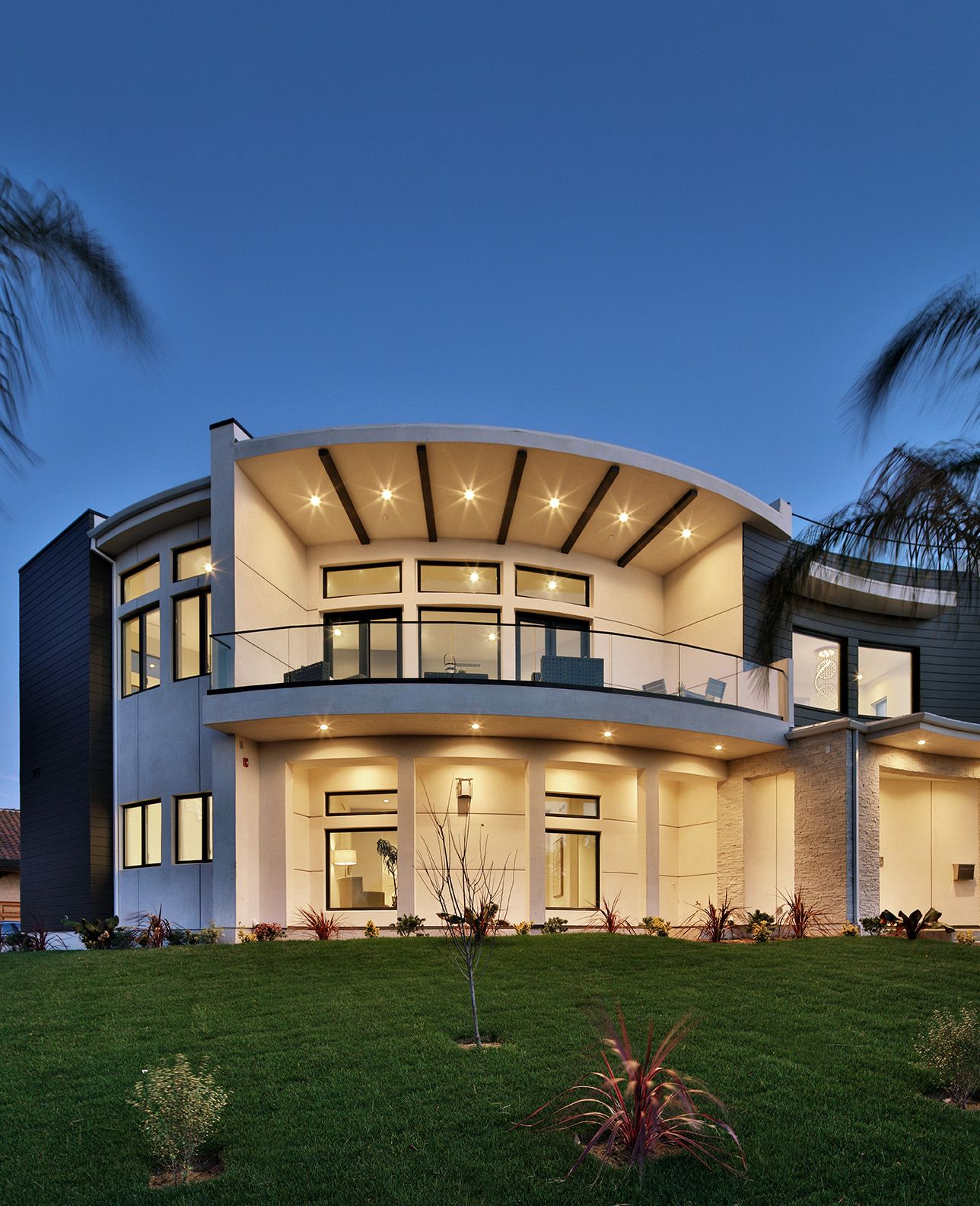 Modern Luxury Home Exterior In Los Angeles