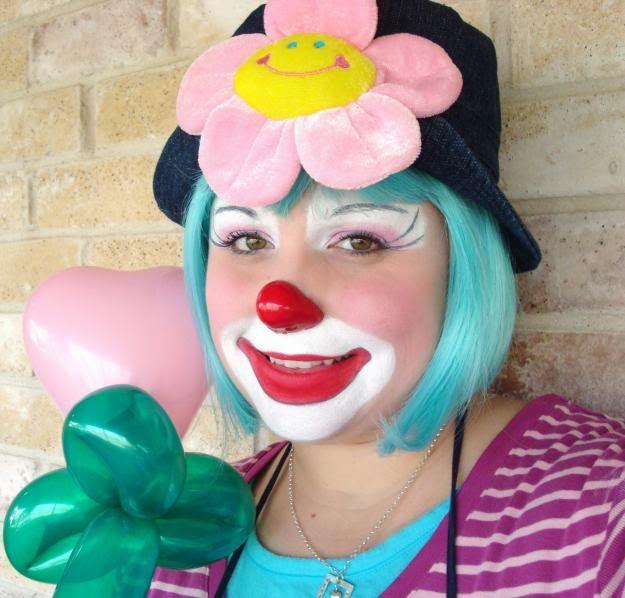 cute clown faces - 625×598