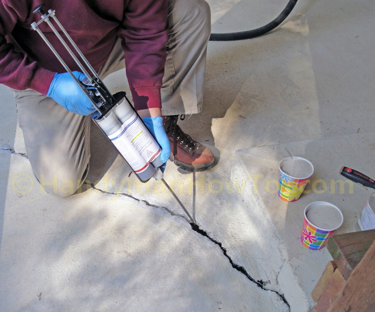 Fixing The Concrete Slab Crack With Emecole 555 Around