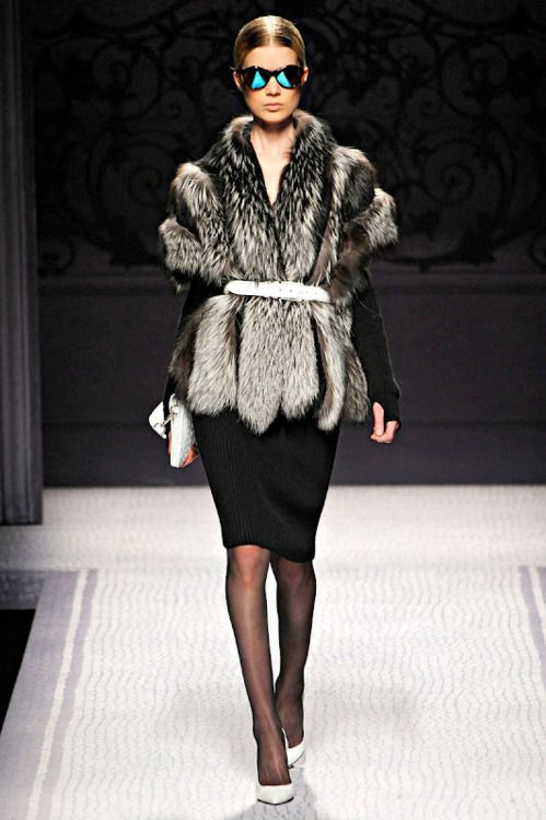 Alberta Ferretti Fall 2012 Fashion Show/Milan