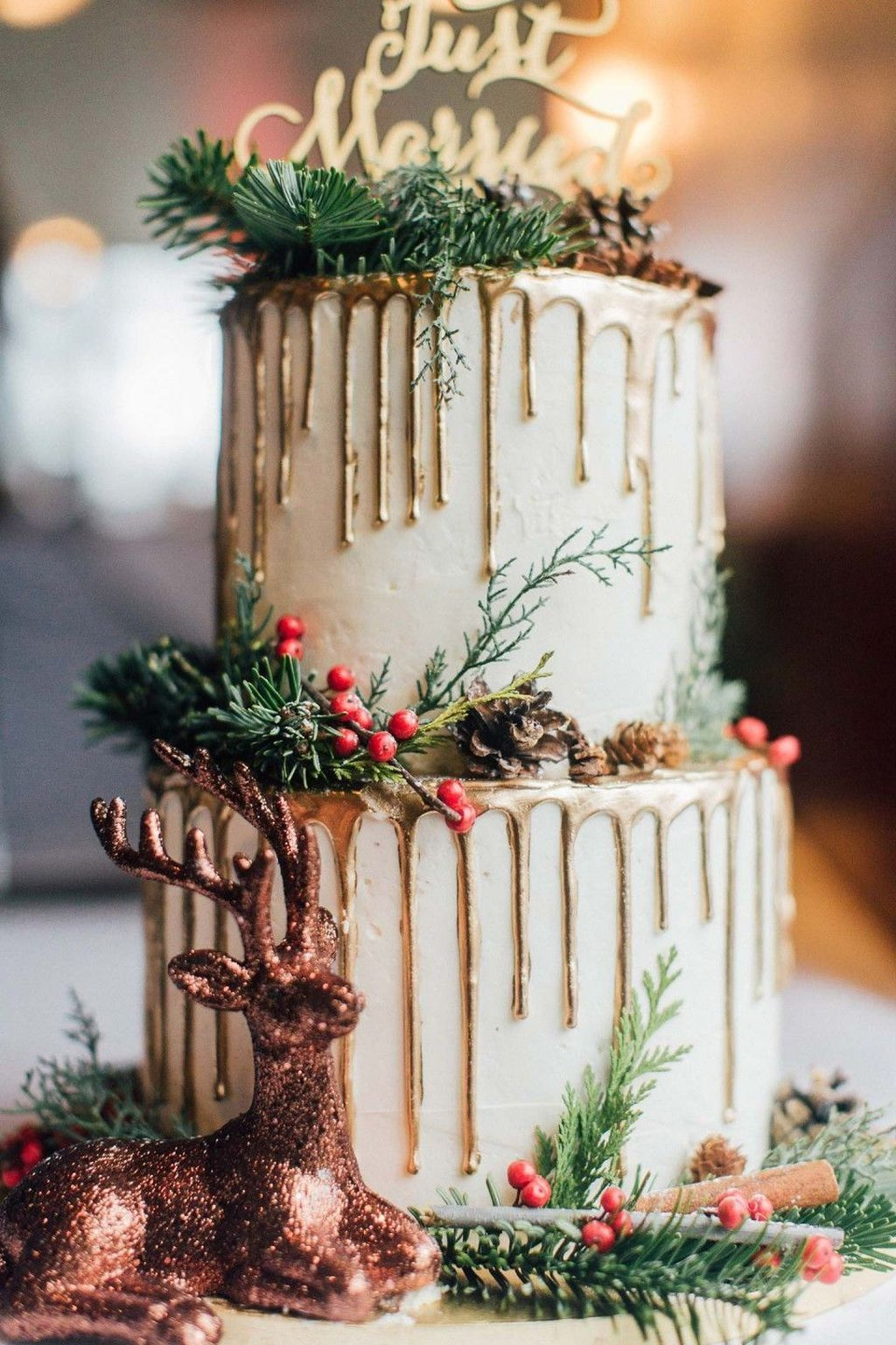 50 Stunning Winter Wedding Ideas - TILEPENDANT #christmascake