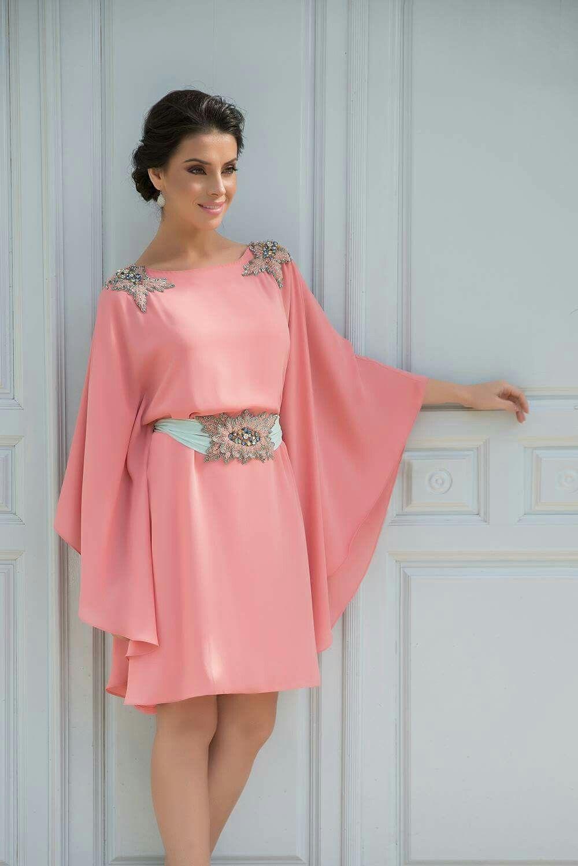 Vestido rosa palo con hombreras y cinturon a juego...sensacional ...