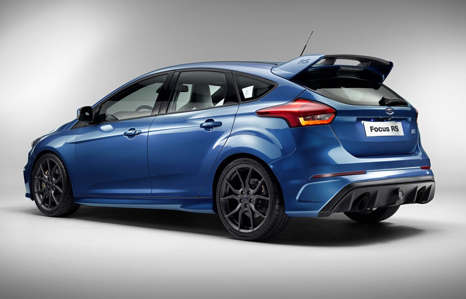 Ford Debuts New Focus Rs In Geneva Still Doesn T Say How Much