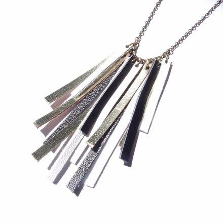 Collier mi-long en cuir tricolore ''Frange''