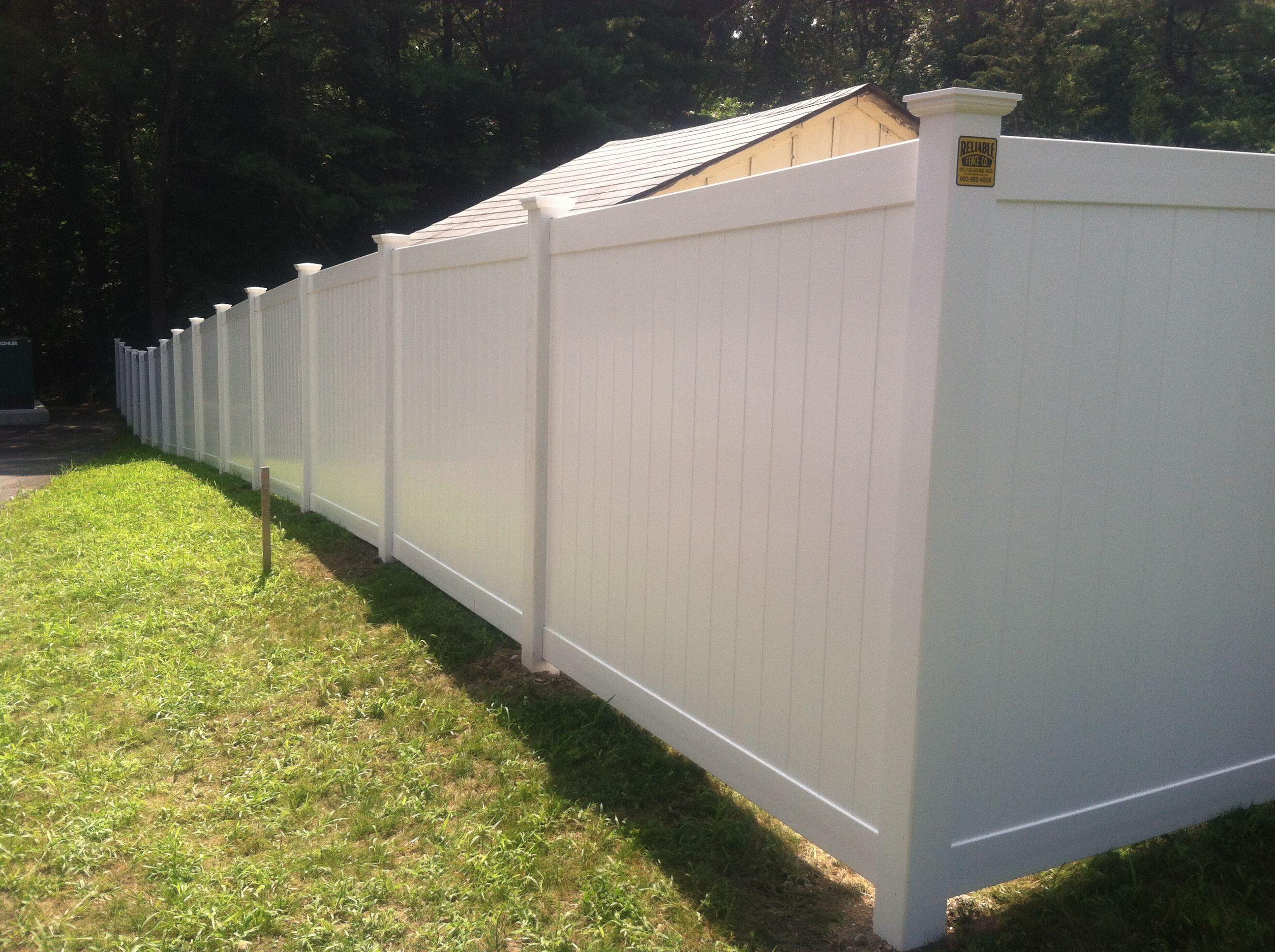 6 High White Vinyl Privacy Fence Vinyl Privacy Fence Backyard Privacy Fences