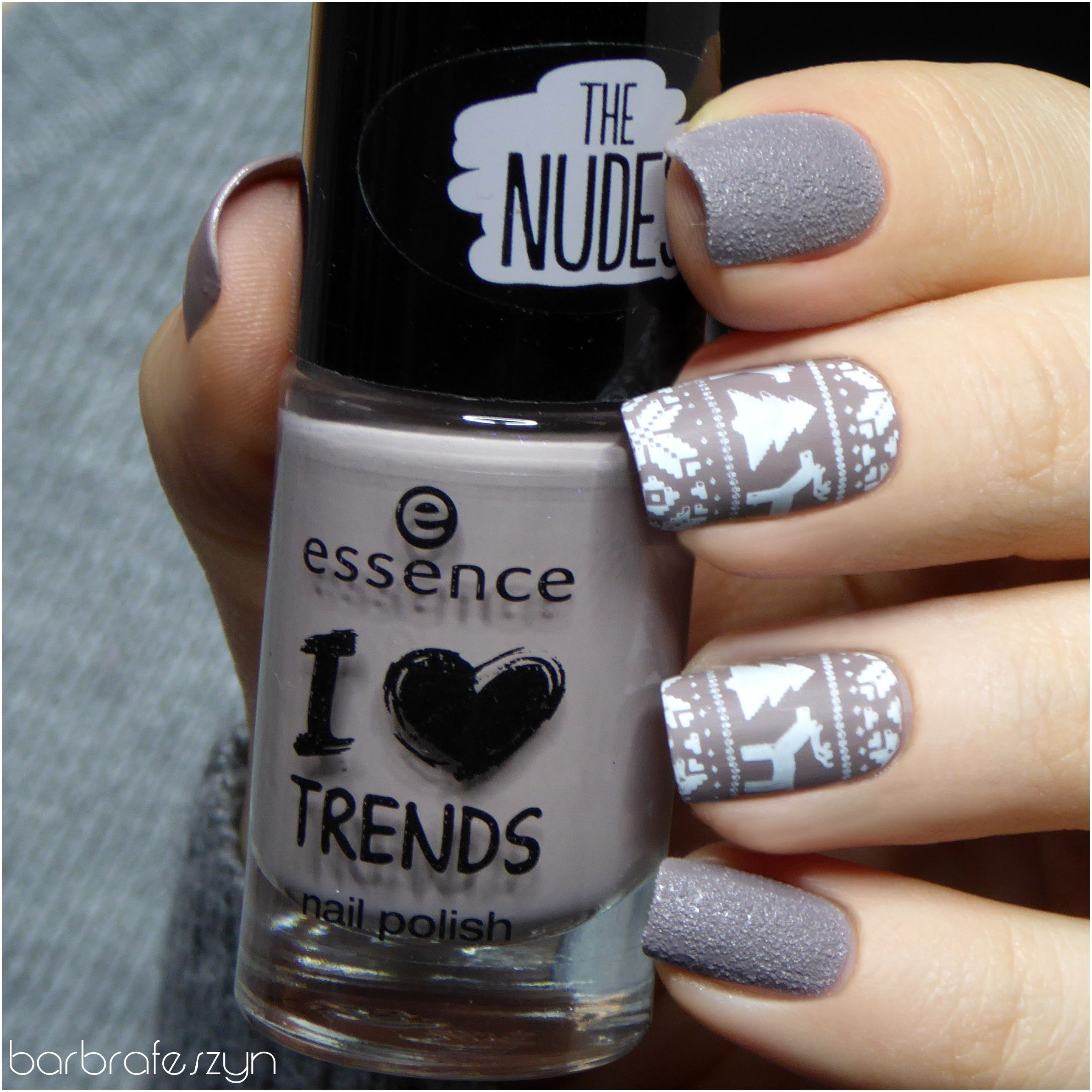 Matte nail polish is essence i love trends 08 crunchy cake and the