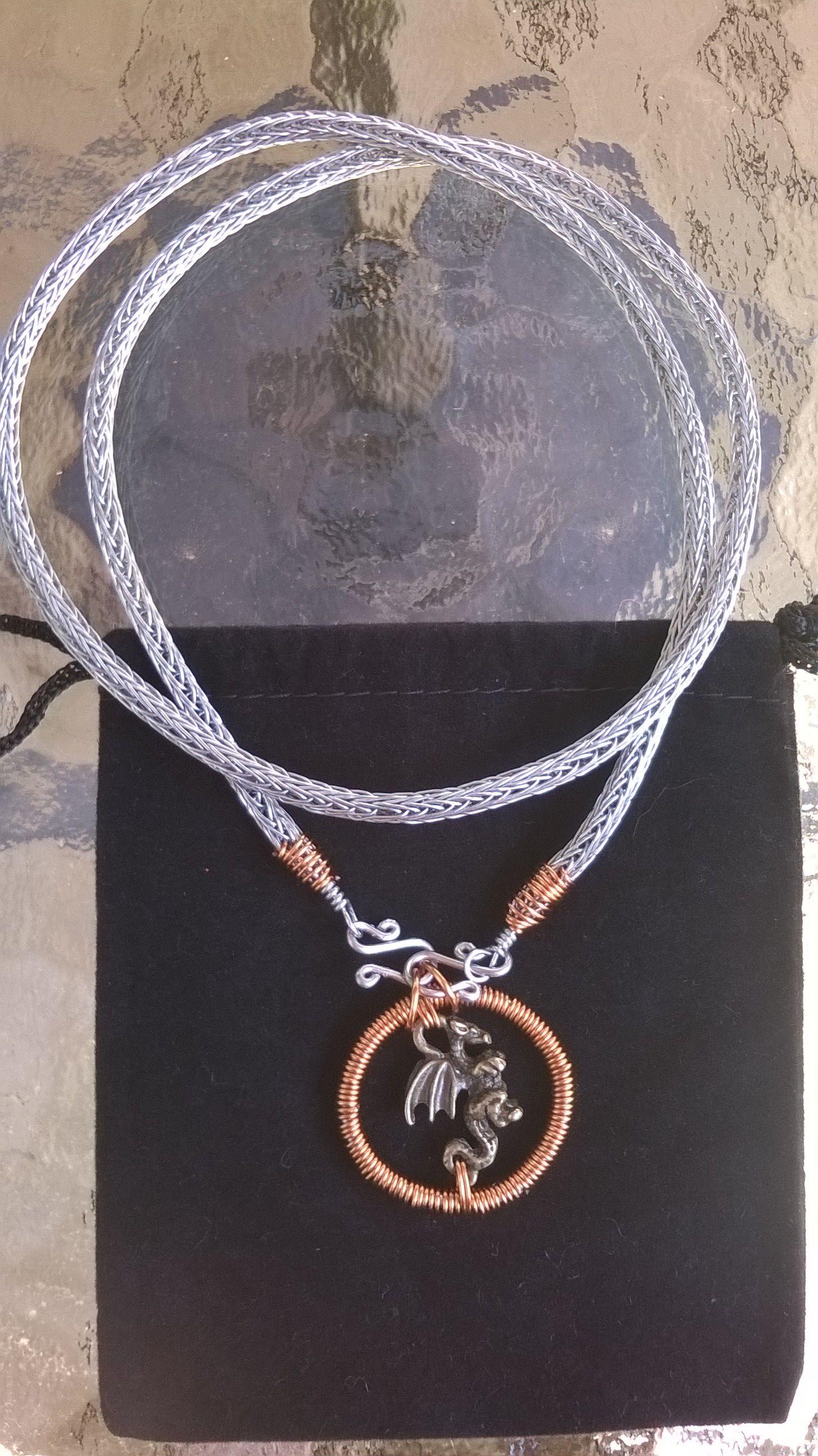 Collier en chaîne viking avec emblème Dragon, fait à la main