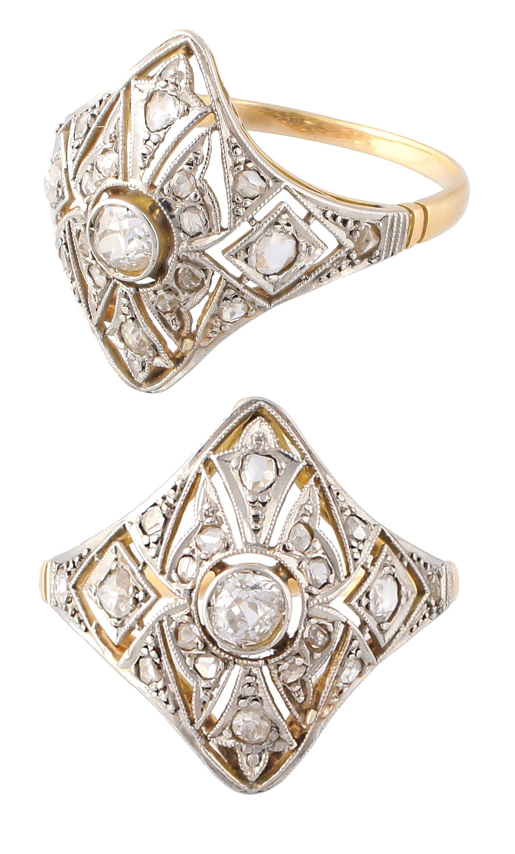 9b4f04859e38 Anillo Art Deco de oro con vistas de platino