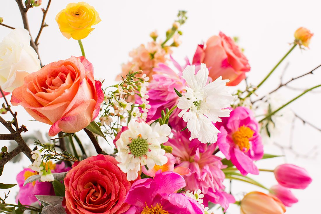 Save this to learn everything about flower arranging with these tips.