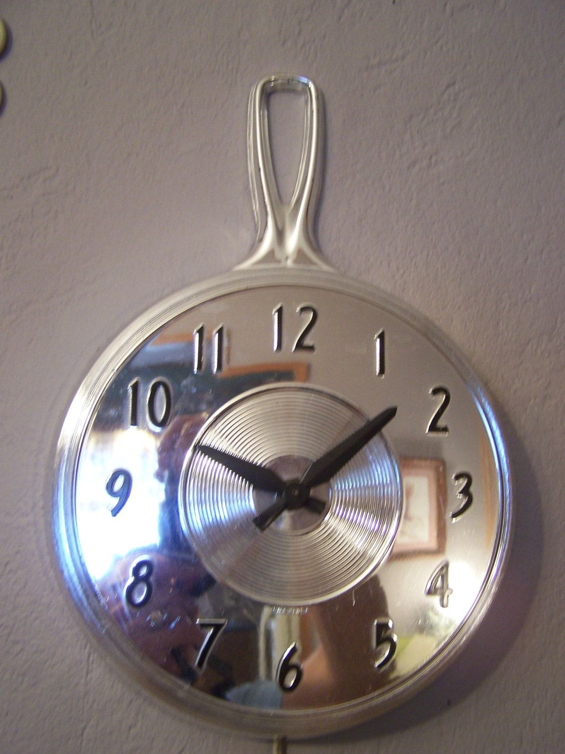 vintage kitchen wall clock electric chrome look skillet mid