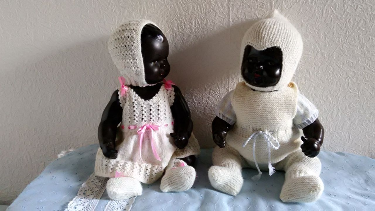 strikket dukketøj