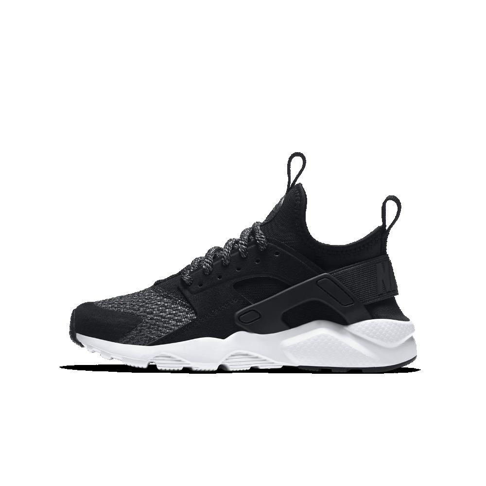 Nike Air Huarache Run Ultra SE Big Kids' Shoe Size 3.5Y (Black)
