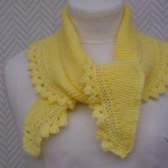 6b5a6c130516 Echarpe jaune