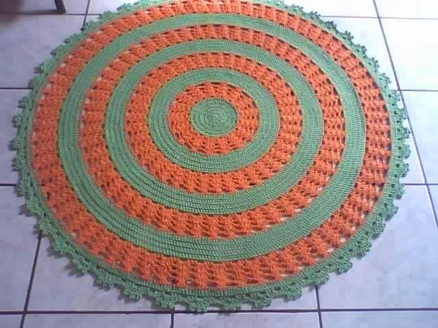 marcia sartori crochetando: Tapete redondo Verde e Laranja   Tapetes ...