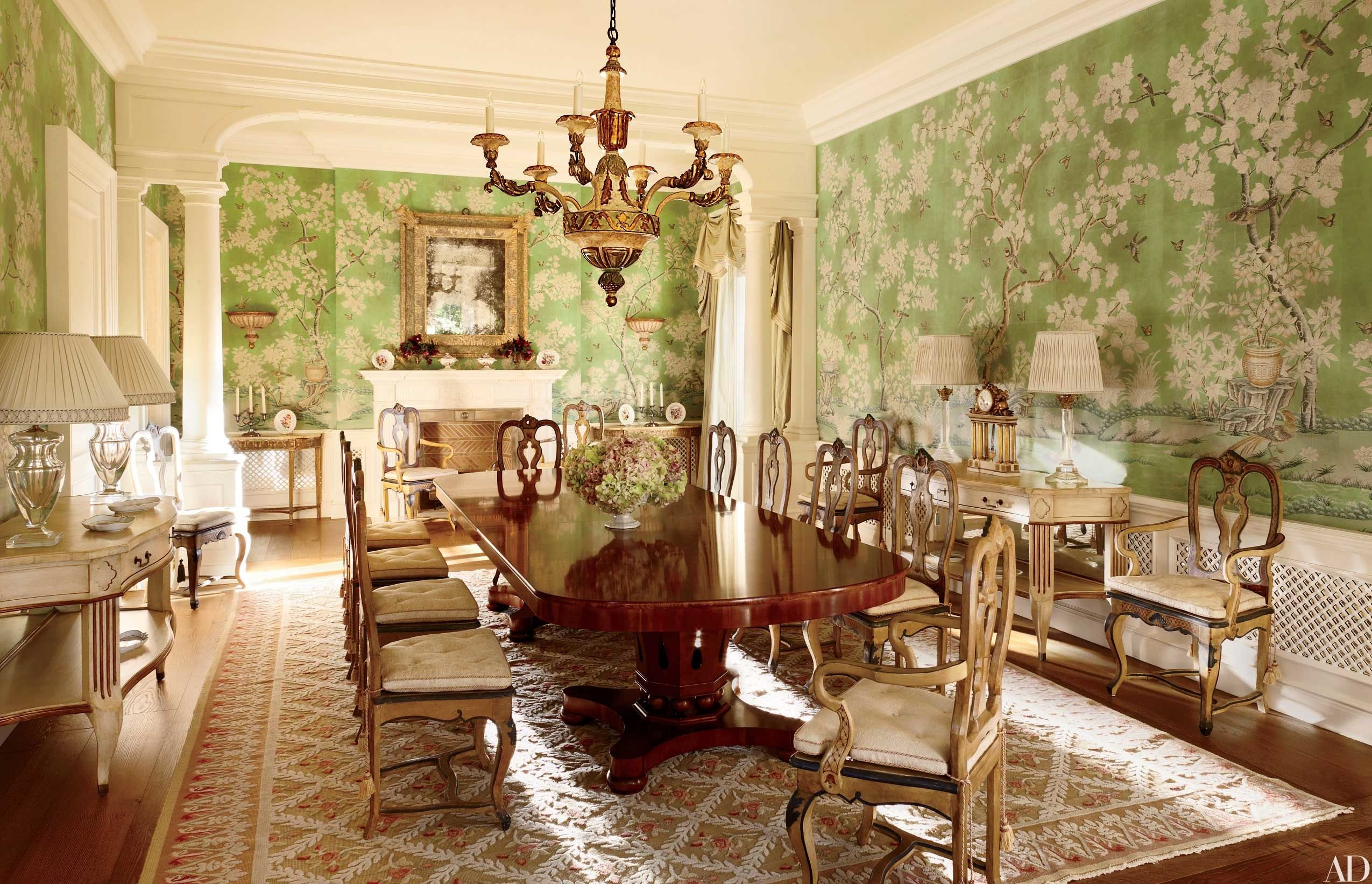 Chinoiserie Wallpaper and Panels Take the Stage in These