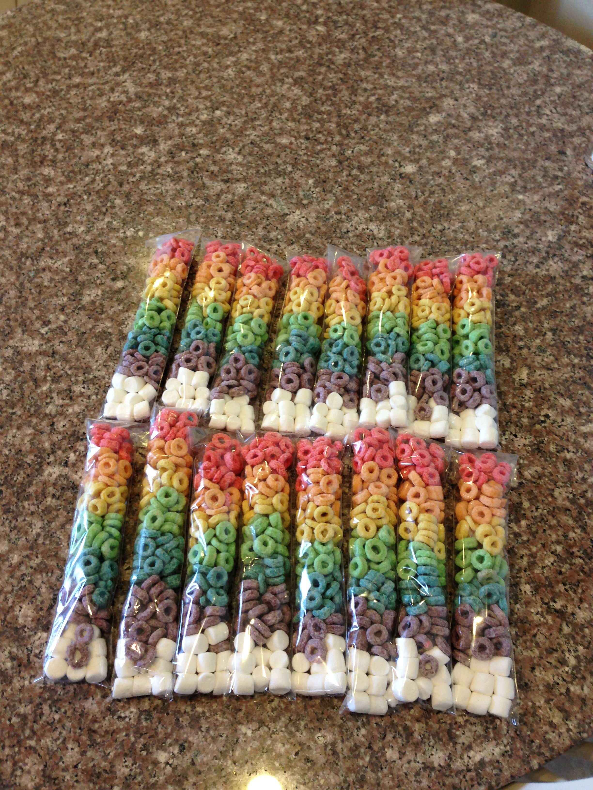 Classroom Snack Ideas Kindergarten : Yes i sorted a box of fruit loops but aren t they cute for